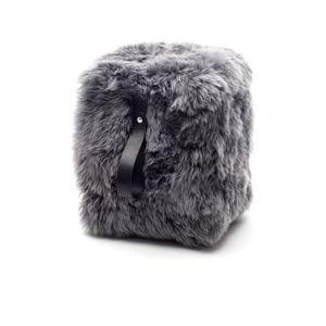 Šedý hranatý puf z ovčí kožešiny s černým detailem Royal Dream, 45 x 45 cm